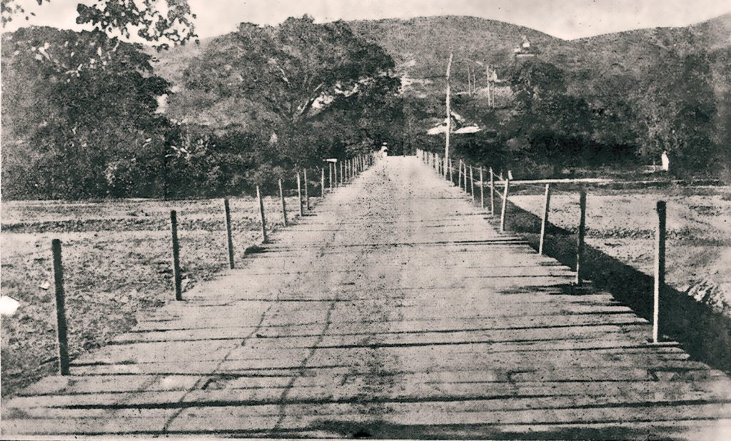 Puente-de-Santa-Rosa-sobre-el-río-Turbio