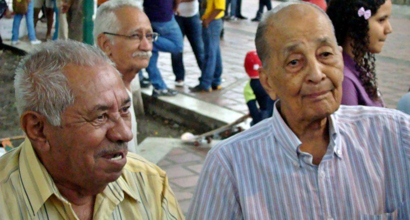 2 – Carlos Guédez y Julio, paisanos y grandes amigos