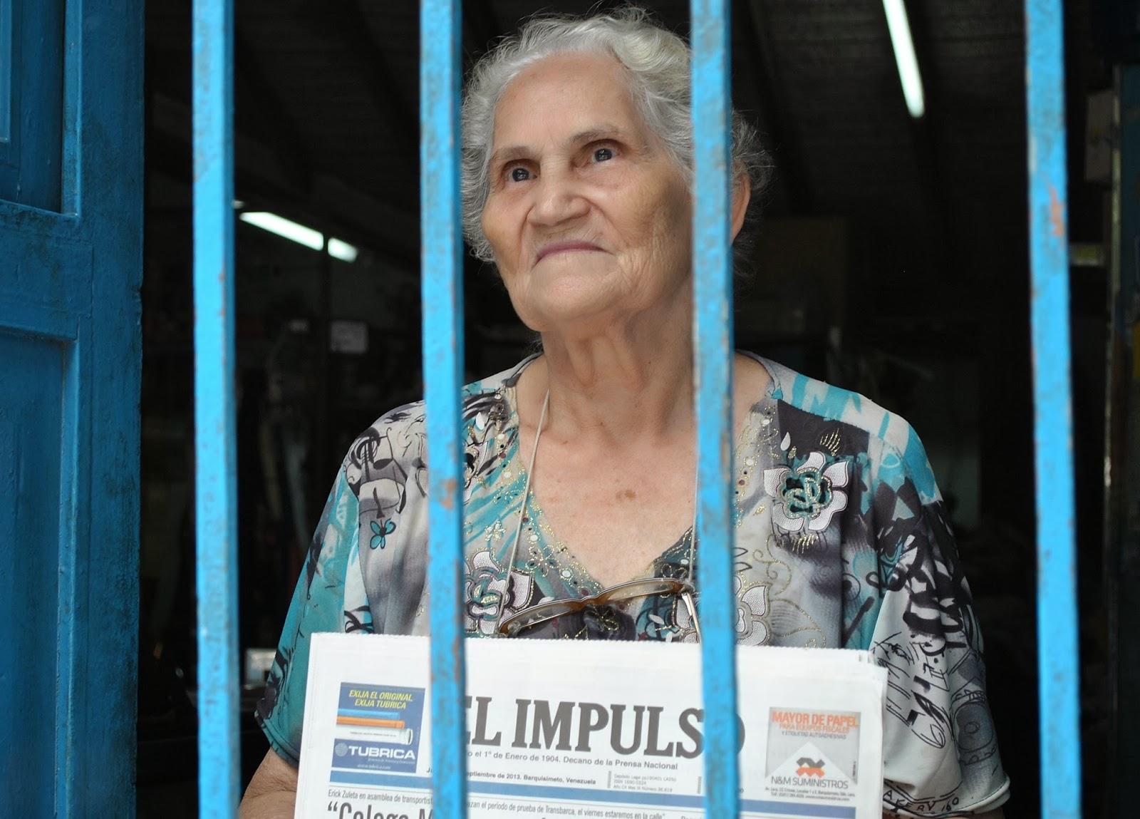 """María Suárez Delgado """"Tengo más de cuarenta años vendiendo EL IMPULSO"""""""