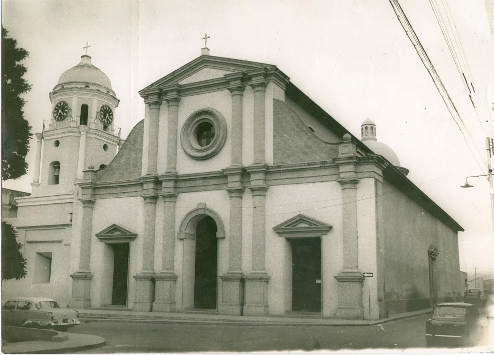 [FOTOS] Ya no suenan las campanas de la antigua Catedral de Barquisimeto