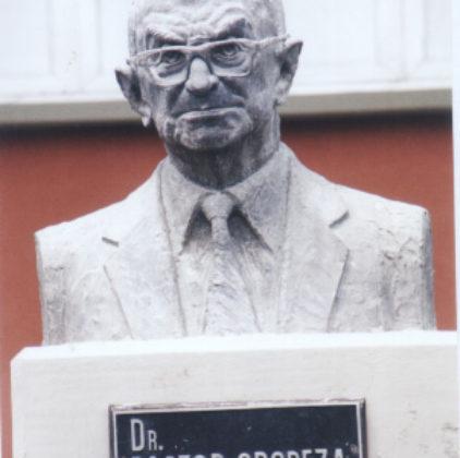 Busto del Dr Pastor Oropeza