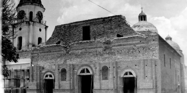 Templo San Francisco de Asís o Antigua Catedral de Barquisimeto durante su remoción luego del Terremoto de 1950