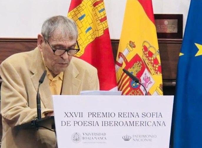 """Rafael Cadenas: """"En Venezuela nos urge instaurar la normalidad, que sólo puede ser democrática"""""""