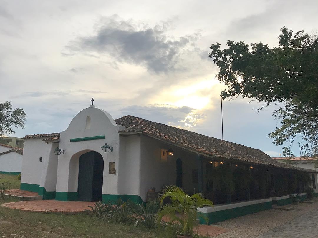 Sobre la histórica Hacienda Agua Viva