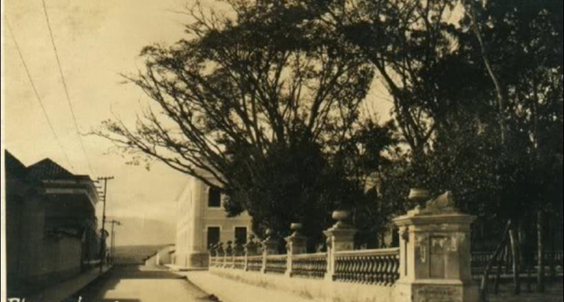 Plaza Lara