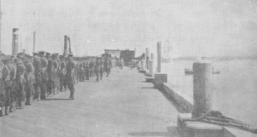Embarque de los restos en la fragata Americana Pensacola-1888