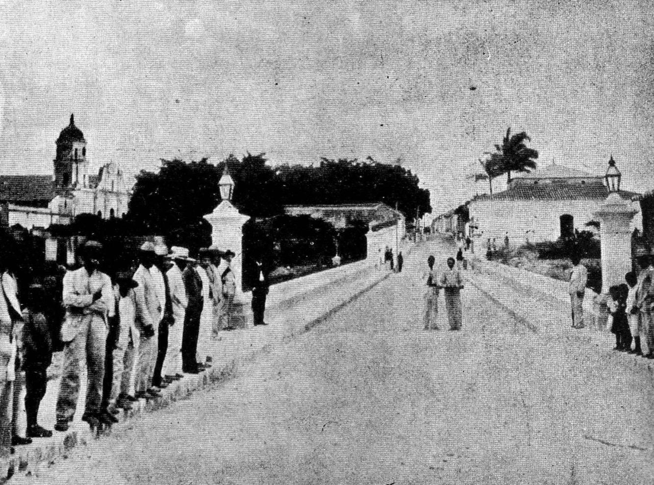Puente Bolívar, un icónico paso histórico en el olvido